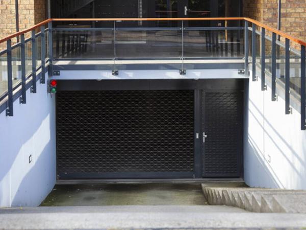 Puertas de garaje Pinto