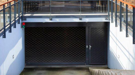 Puertas de hierro para exterior y comunidades