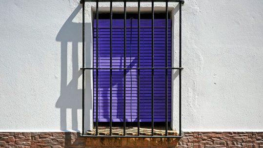De qué color pintar las rejas de las ventanas
